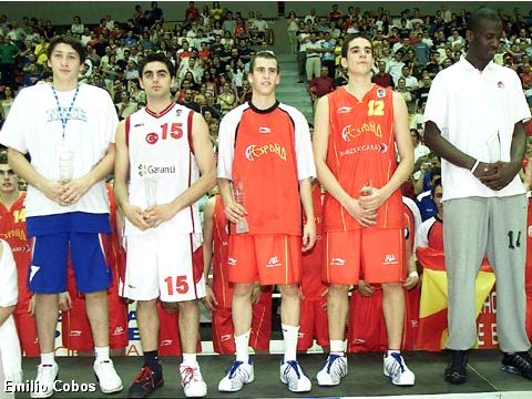 The All-Tournament team of the European Championship U18 Men 2004 (from left to right): Nikita Kourbanov (RUS), Hakan Demirel (TUR), Sergio Rodriguez (ESP), Carlo Suarez (ESP), Johan Petro (FRA)